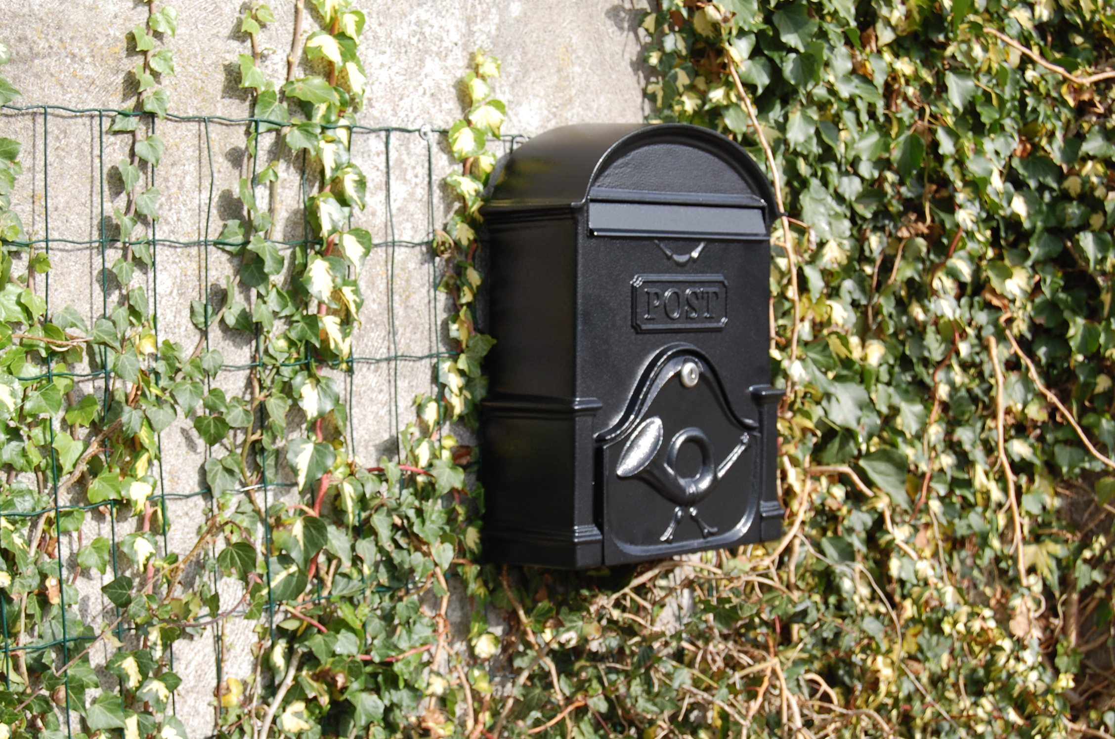 Paprika Designs The Moy Cast Aluminium Post Box